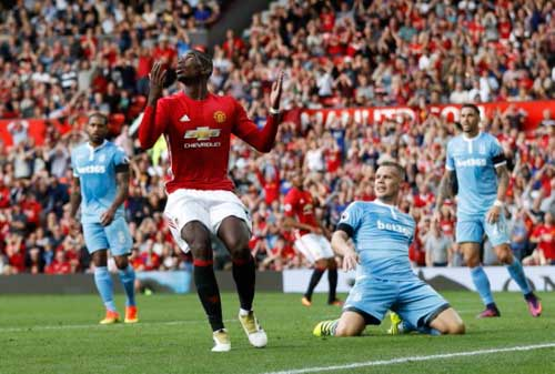 "Stoke City – MU: Tranh thủ ""hái điểm"" - 2"