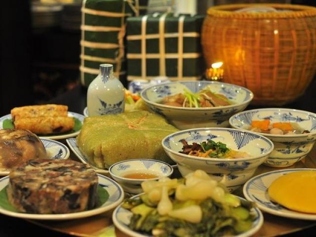 Bữa cơm ngày Tết đang thừa thịt, thiếu rau