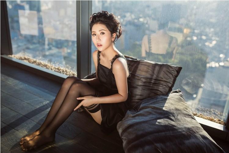 Hot girl quỳnh anh shyn mặc bodysuit khoe chân thon dài tuyệt đẹp - 7