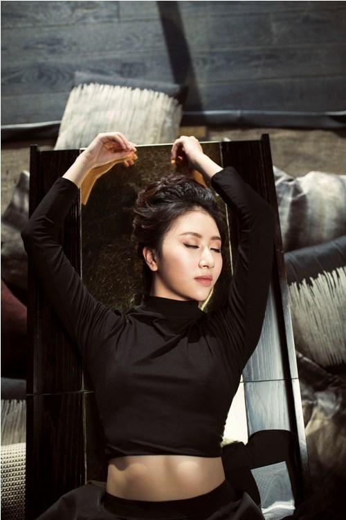 Hot girl quỳnh anh shyn mặc bodysuit khoe chân thon dài tuyệt đẹp - 9