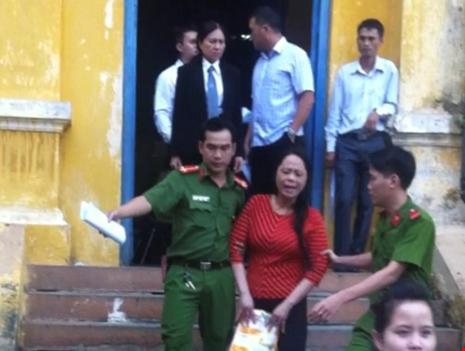 Y án 15 năm tù đối với hoa hậu quý bà lừa đảo