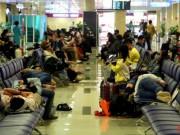 Tin tức trong ngày - Sân bay Tân Sơn Nhất, 3h sáng ngày 26 Tết