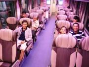"""Tin tức trong ngày - Hành khách bất ngờ khi được đi tàu hỏa """"5 sao"""" về quê đón Tết"""