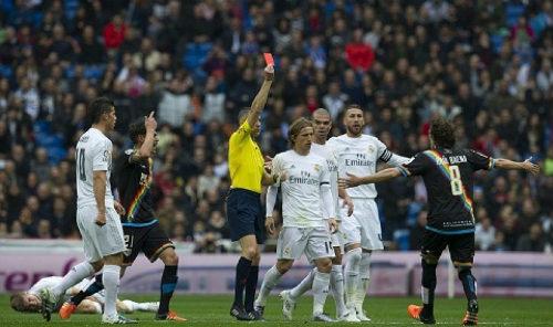 """Barca """"tố"""" Real được thiên vị: 32 bằng chứng """"sống"""""""