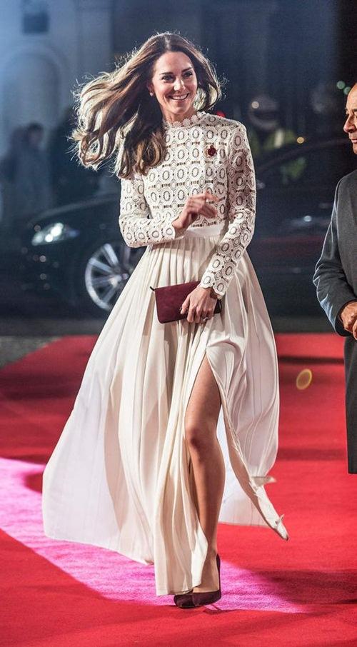 Không phải công nương Anh, vợ hoàng tử Dubai mới sành điệu nhất - 1