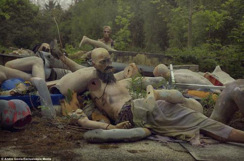 Khám phá nghĩa địa ma nơ canh bỏ hoang đáng sợ - 1