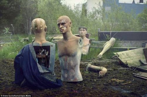 Khám phá nghĩa địa ma nơ canh bỏ hoang đáng sợ - 3