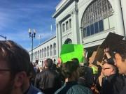 Công nghệ thông tin - 2.000 nhân viên Google xuống đường phản đối lệnh cấm nhập cư mới