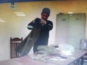 An ninh Xã hội - Giả danh CA đi đánh ghen, đoạt tiền của đôi trai gái