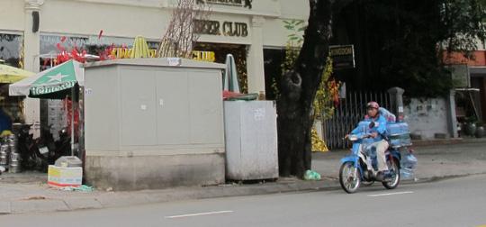 Việt kiều đâm chết người trong quán bar ở Sài Gòn