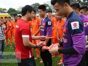 """Bóng đá - U23 Việt Nam: HLV Hữu Thắng không lo """"một núi hai cọp"""""""