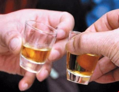 Rượu thuốc, bổ đâu chưa thấy chỉ thấy… bổ ngửa - 1