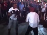 Thể thao - Cậy to con thách đấu võ sĩ, ăn một đấm sợ đến già