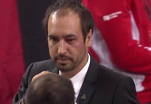 Tennis: Đánh bóng bầm mắt trọng tài, hại mình hại cả đội - 4