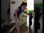 Bộ GD-ĐT yêu cầu làm rõ vụ cô giáo cầm dép đánh vào đầu trẻ