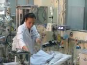 Sức khỏe đời sống - Gần 10 chuyên khoa cùng cứu bé sơ sinh