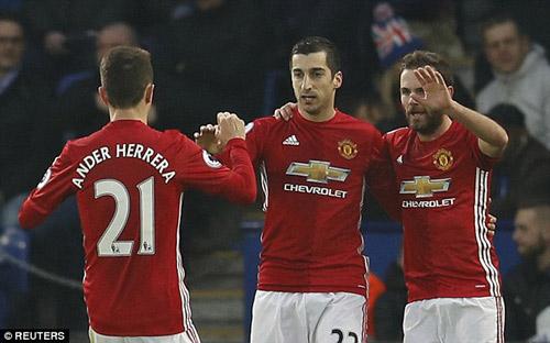 Đua tốp 4 Premier League: MU ít điểm nhưng nhiều cơ hội