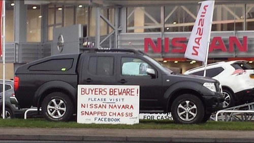 Nissan Navara gãy đôi liên tục, người dùng phẫn nộ - 1