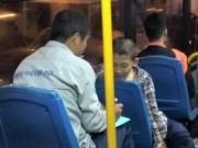 Bạn trẻ - Cuộc sống - Ứng xử đẹp của phụ xe với cậu bé trốn vé xe buýt gây bão mạng