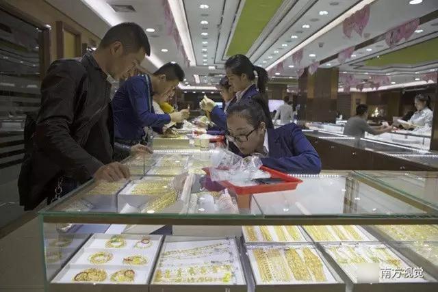 Ngôi làng nhiều vàng bạc châu báu nhất Trung Quốc - 2