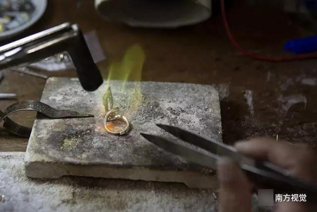 Ngôi làng nhiều vàng bạc châu báu nhất Trung Quốc - 5