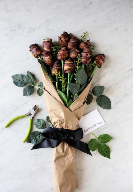 """Dạo quanh thế giới chọn quà """"dị"""" nhất cho ngày Valentine - ảnh 1"""