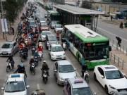 Tin tức trong ngày - Hà Nội lắp loa tuyên truyền trên tuyến buýt nhanh BRT
