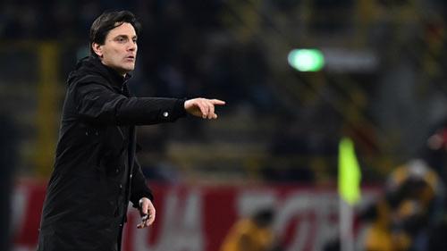 Bologna - AC Milan: 2 chiếc thẻ đỏ và bàn thắng muộn - 1