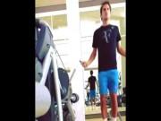 """Làm đẹp - Thân hình nổi múi cơ của """"tàu tốc hành"""" Roger Federer"""