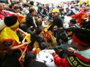 Tin tức trong ngày - Đi lễ hội cướp lộc để cầu may: Mù quáng về tín ngưỡng