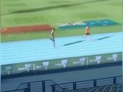 """Thể thao - Vừa bị tước HCV Usain Bolt lại """"hít khói"""" ở đường chạy"""