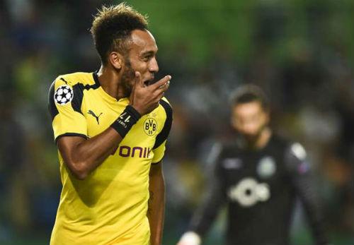 """Aubameyang """"thả thính"""", Real-Man City đấu tiền khủng"""