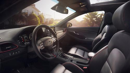 Hyundai Elantra GT 2018 hoàn toàn mới ra mắt - 3