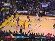 """Thể thao - NBA: Người đẹp cổ vũ gợi cảm, """"Messi bóng rổ"""" tỏa sáng"""