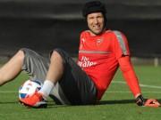 Tin HOT bóng đá tối 11/2: Cech quyết không rời Arsenal sớm