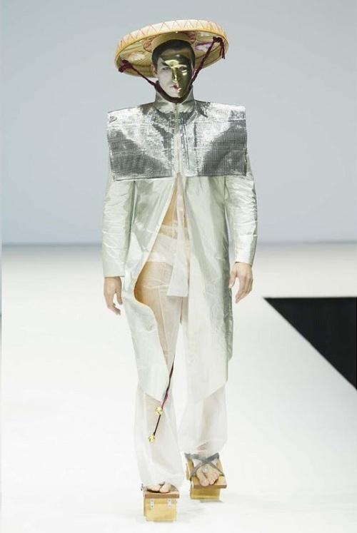 Nón quai thao Việt lên sàn thời trang quốc tế - 2