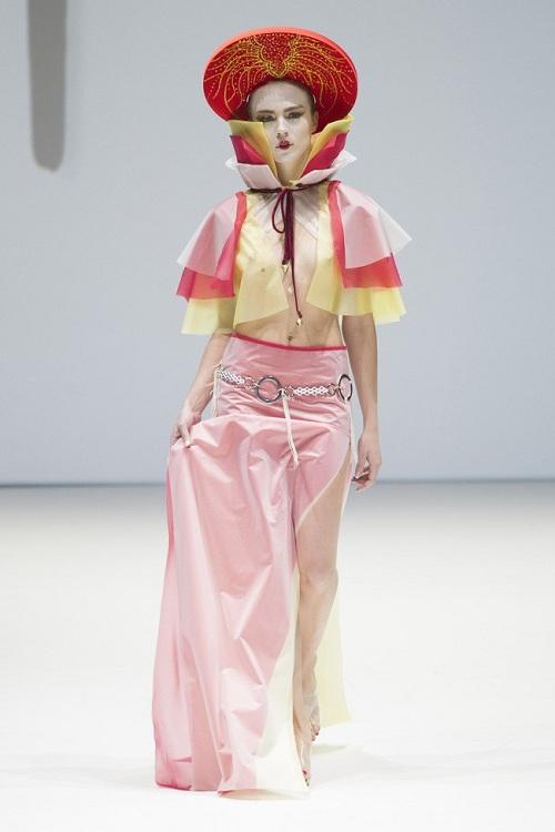 Nón quai thao Việt lên sàn thời trang quốc tế - 5