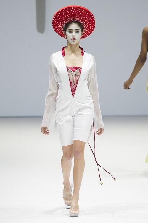 Nón quai thao Việt lên sàn thời trang quốc tế - 6