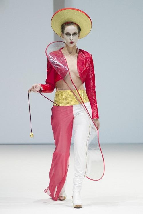 Nón quai thao Việt lên sàn thời trang quốc tế - 7