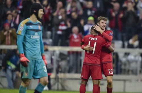 Lượt đi vòng 1/8 Cúp C1: Arsenal và PSG mơ đổi vận