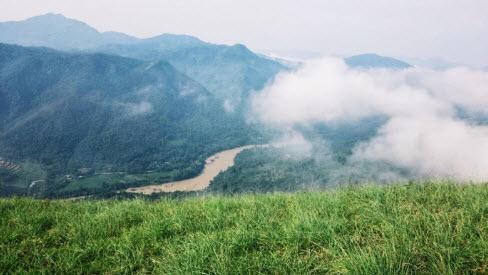 Vượt lối mòn check-in đỉnh Phiêng Mường - ảnh 1