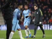"""Bóng đá - Gabriel Jesus chấn thương, Guardiola lại """"nịnh"""" Aguero"""