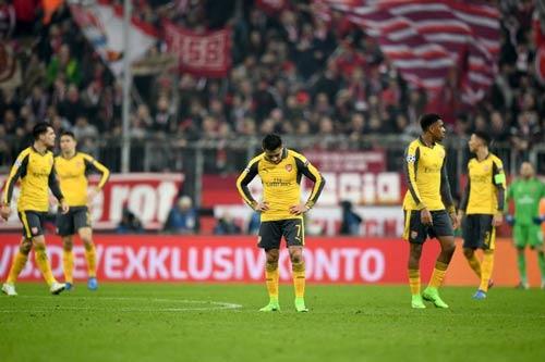 """Thua Bayern, Arsenal bị báo giới """"vùi dập"""" tơi tả - 1"""