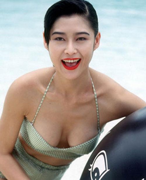 Hoa - á hậu Hồng Kông gây chấn động vì đóng phim 18+ - 1