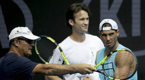 """Tin thể thao 17/1: Lộ lí do chú Toni """"dứt tình thầy trò"""" Nadal"""