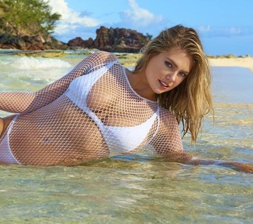 """Siêu mẫu áo tắm """"đắt nhất hành tinh"""" nóng bỏng trên đảo vắng - 2"""