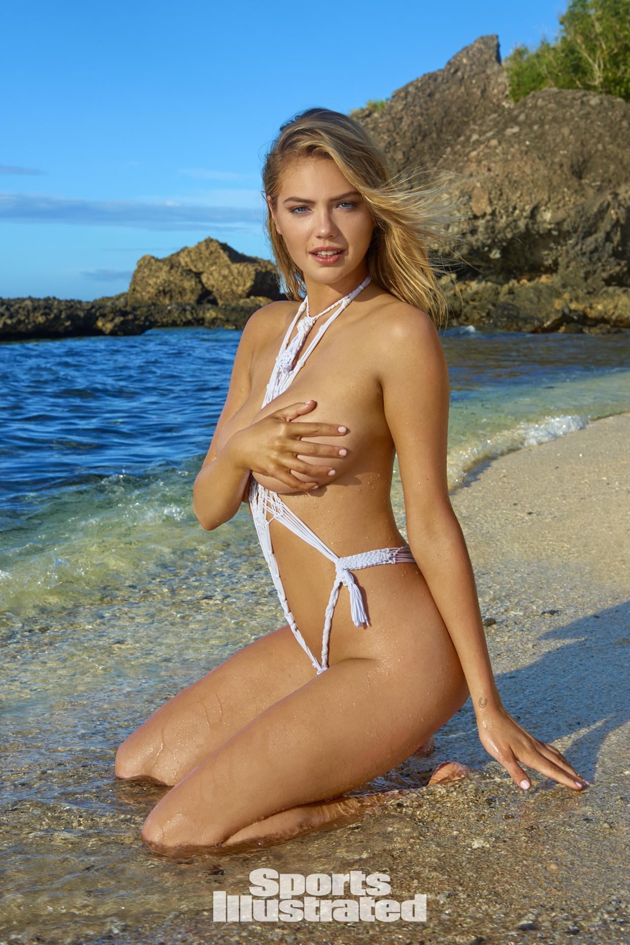 """Siêu mẫu áo tắm """"đắt nhất hành tinh"""" nóng bỏng trên đảo vắng - 4"""