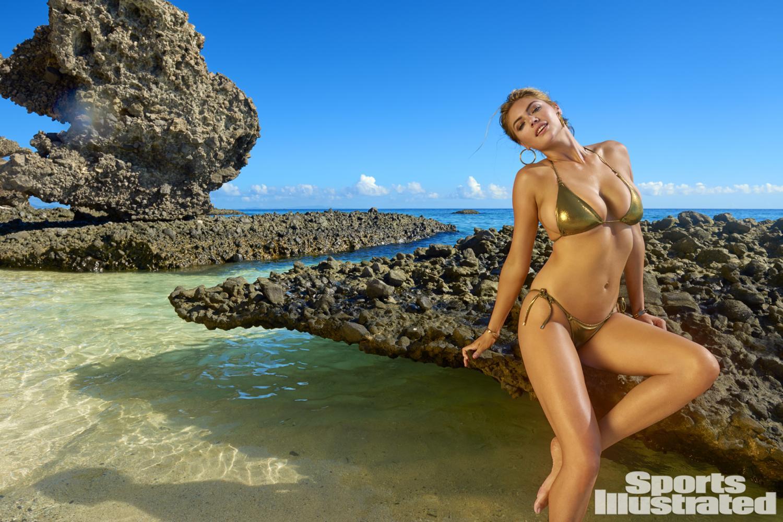 """Siêu mẫu áo tắm """"đắt nhất hành tinh"""" nóng bỏng trên đảo vắng - 6"""