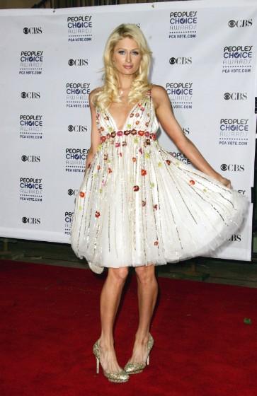"""Paris Hilton có lúc cũng diện những bộ cánh """"không xứng tầm"""" - 5"""