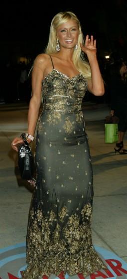 """Paris Hilton có lúc cũng diện những bộ cánh """"không xứng tầm"""" - 6"""